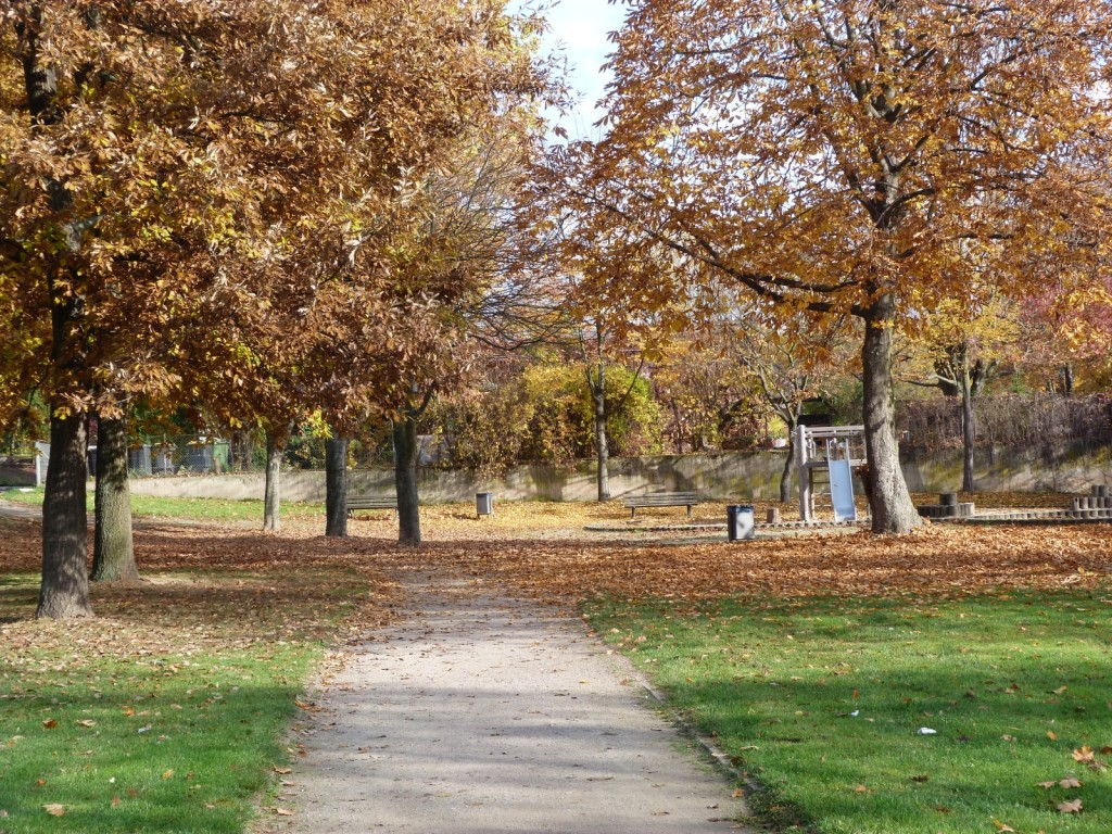 Kleiner Park zwischen Euckenstraße und Grauer Stein, Frankfurt am Main Unterliederbach