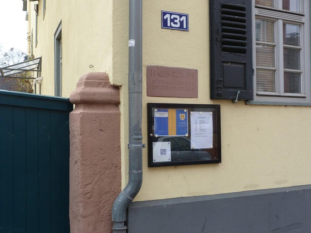 Eingang in den Hof des Heimatmuseums Frankfurt am Main Unterliederbach.