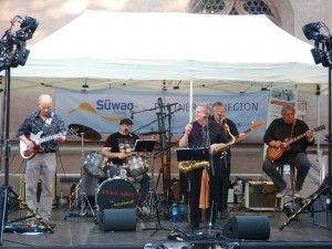 Blues Alley auf dem Höchster Altstadtfest 2013 vor der Justinuskirche