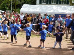 Bürgerfest in Unterliederbach 2013: Die Kleinsten der TGU