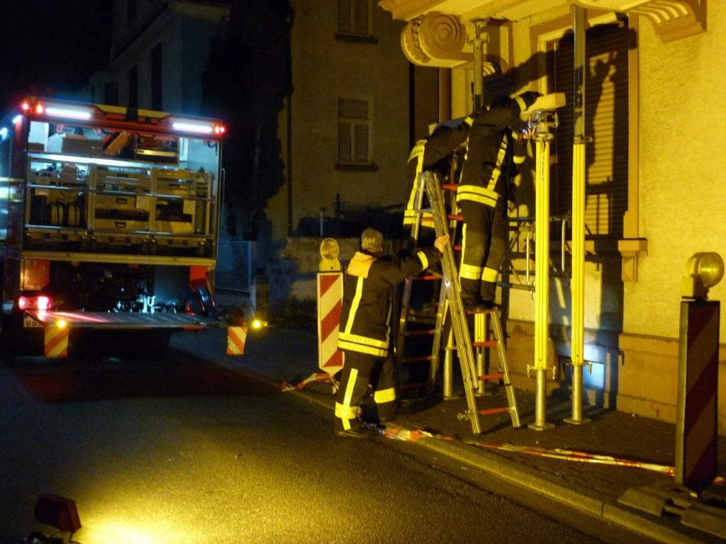 Feuerwehreinsatz am späten Abend des 04. Dezember 2014 in der Unterliederbacher Euckenstraße