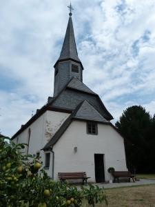 Dorfkirche in Frankfurt am Main Unterliederbach (19. Juli 2015)
