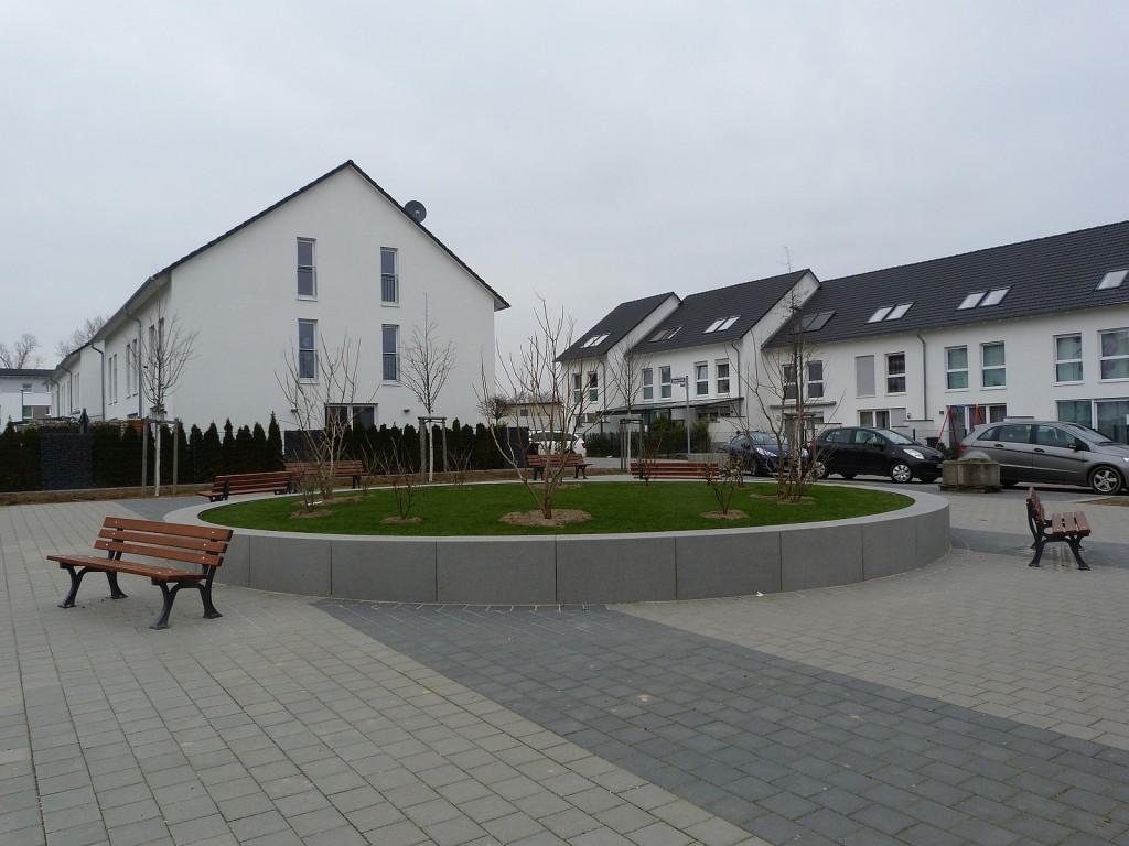 Der Zaubernussplatz in Frankfurt am Main Unterliederplatz
