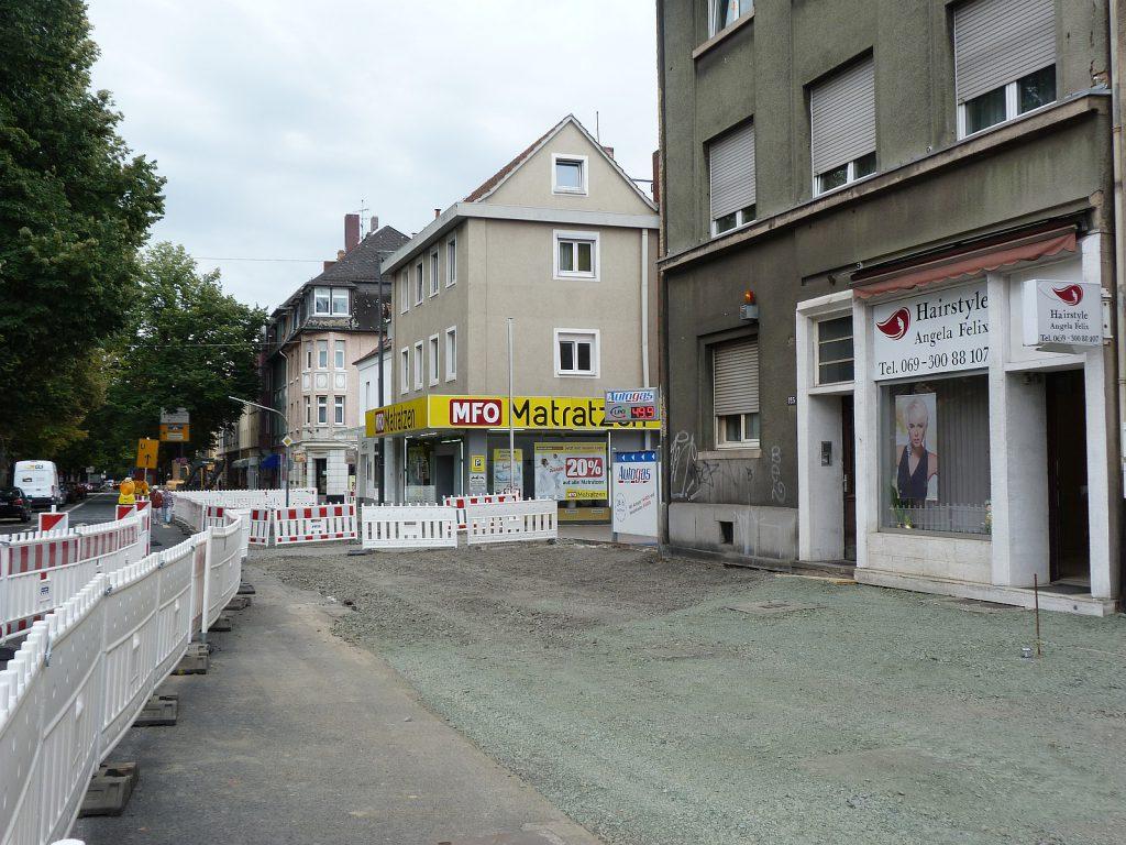 Straßenbauarbeiten auf der Königsteiner Straße in Frankfurt am Main Unterliederbach
