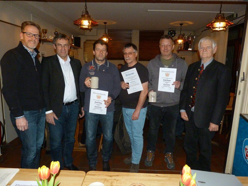 Ehrende und Geehrte (Von links nach rechts: Oliver Göbel, Hubert Schmitt, Michael Dalibor, Rolf Schulz, Michael Henzner und Karl Leo Schneeweis)