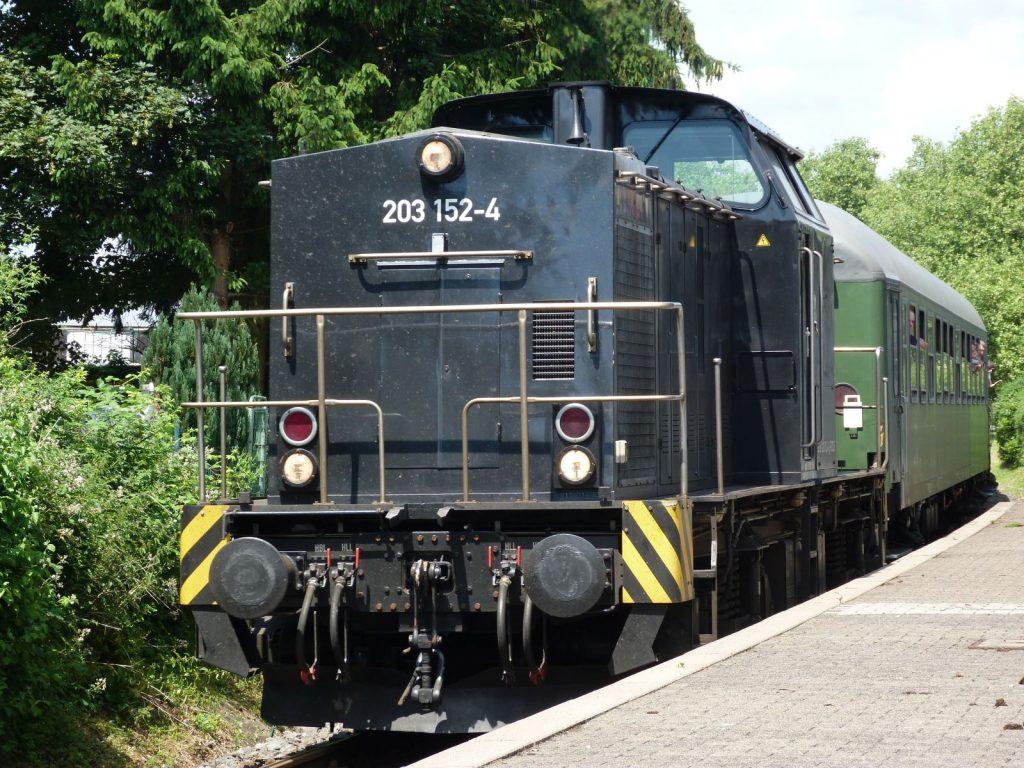 Dieselokomotive 203 152-4 in Frankfurt am Main Unterliederbach
