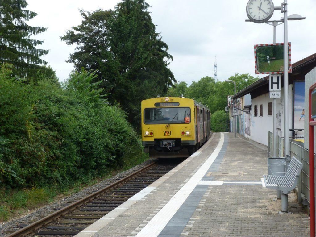 Bahnsteig in Frankfurt am Main Unterliederbach.