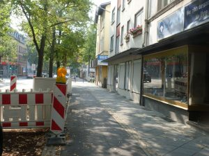 """Bushaltestelle """"Euckenstraße"""" in Frankfurt am Main Unterliederbach"""