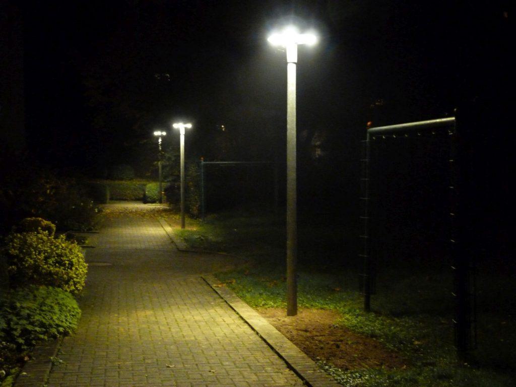 Neue Beleuchtung in der Johannesallee