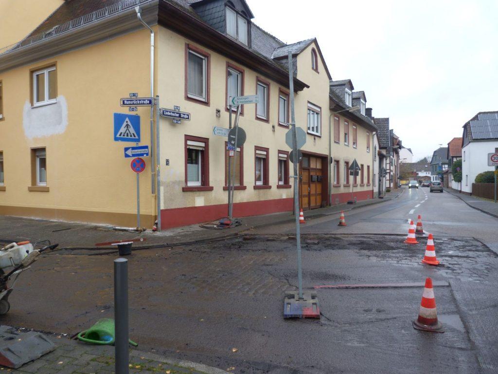 Straßenbauarbeiten in Frankfurt am Main Unterliederbach