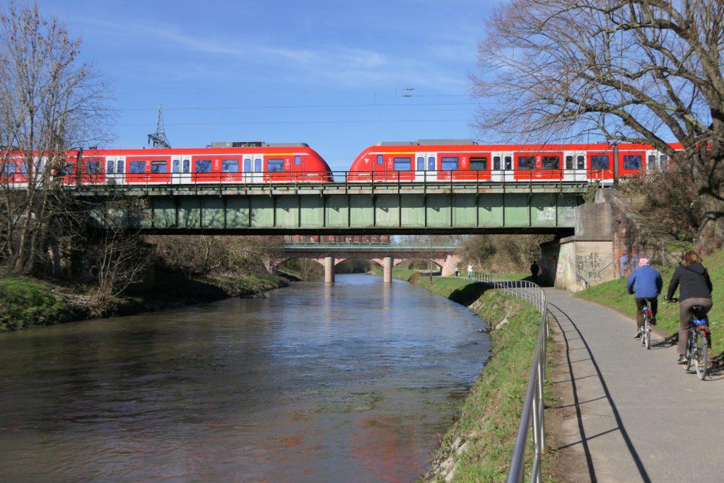 Nieder Eisenbahnbrücken über die Nidda