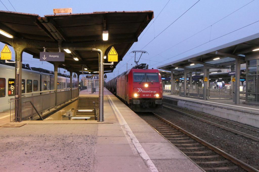 Güterzug in Frankfurt-Höchst