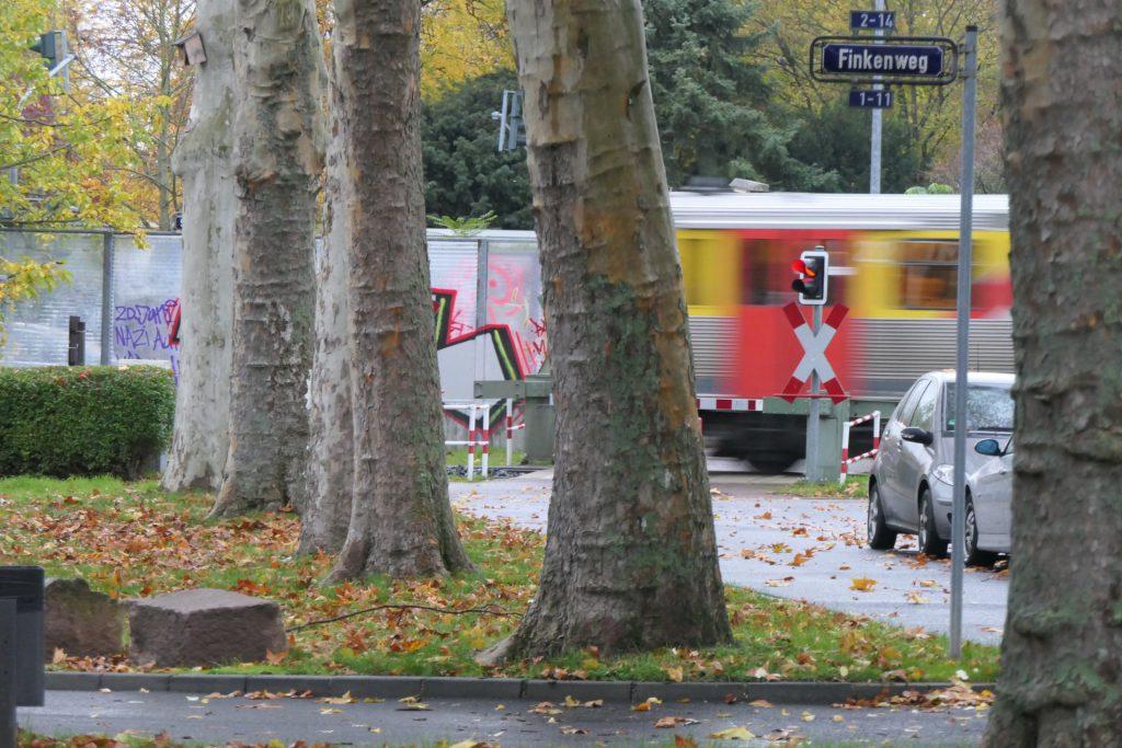 Frankfurt am Main Unterliederbach, Heimchen, Nachtigallen-/Finkenweg, VT2 der HLB