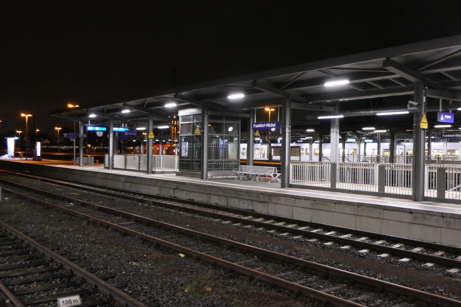 Bahnhof Frankfurt-Höchst