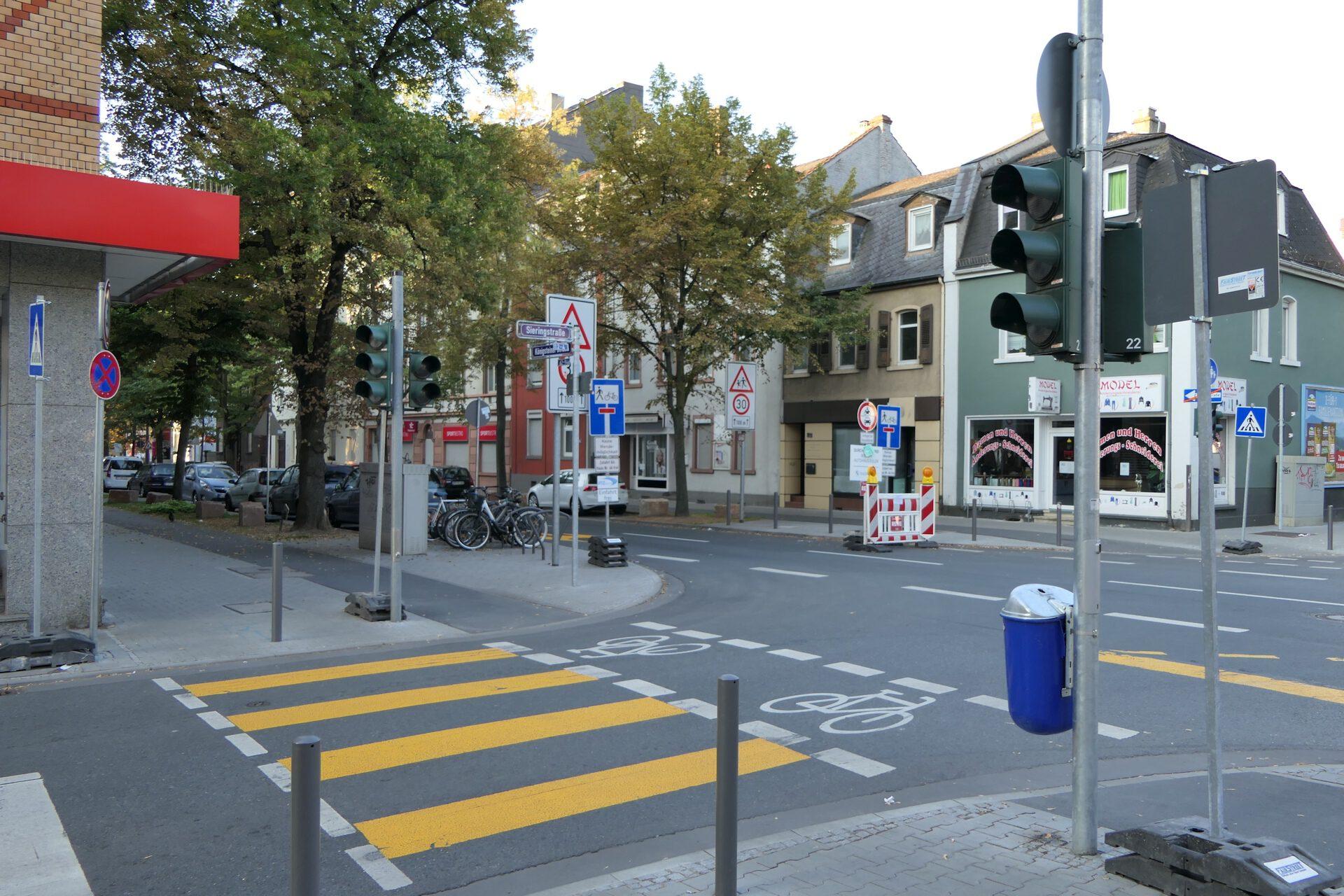 Königsteiner Straße in Frankfurt ab Main Unterliederbach, Straßenbaustelle