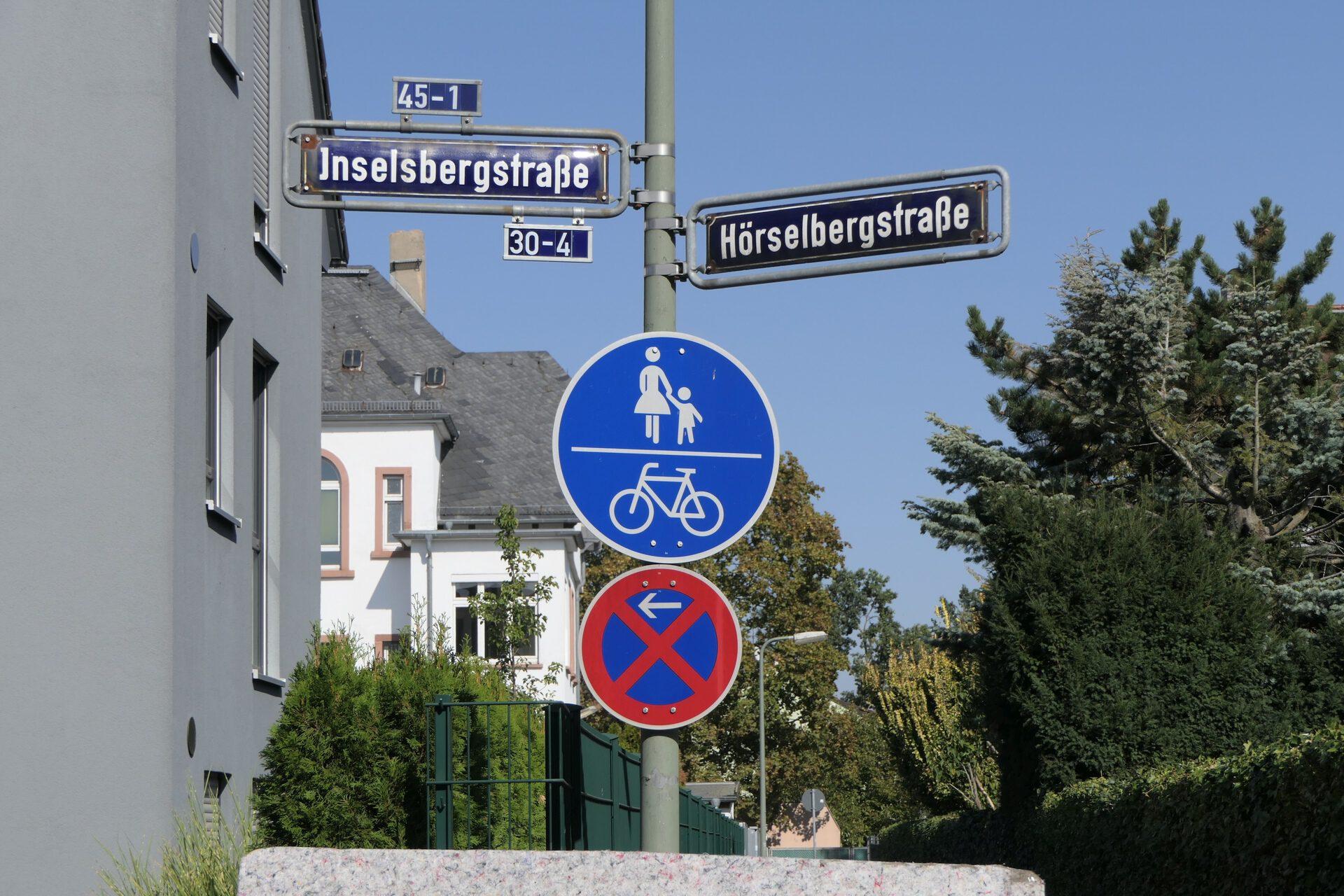 Frankfurt am Main Unterliederbach. Hörselbergstraße / Inselsbergstraße