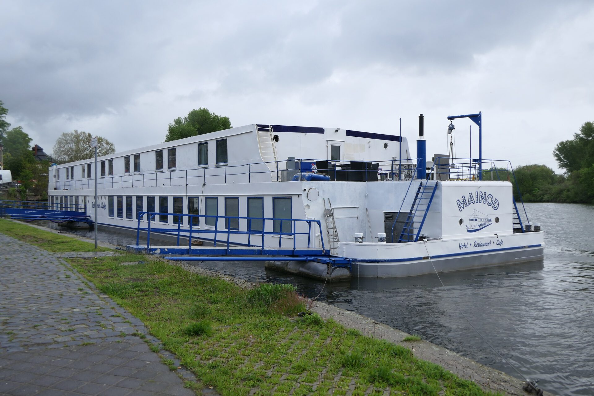 Mainod, das Hotel- und Restaurantschiff in Frankfurt am Main Höchst
