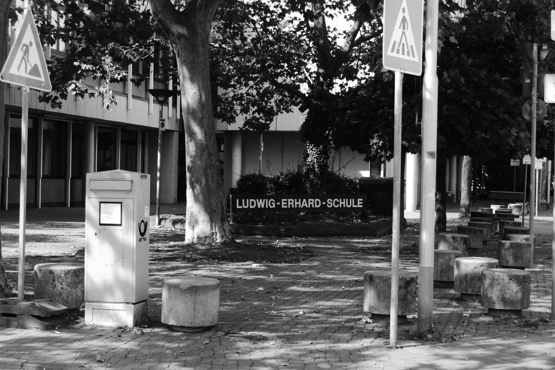 Ludwig-Erhard-Schule, Unterliederbach